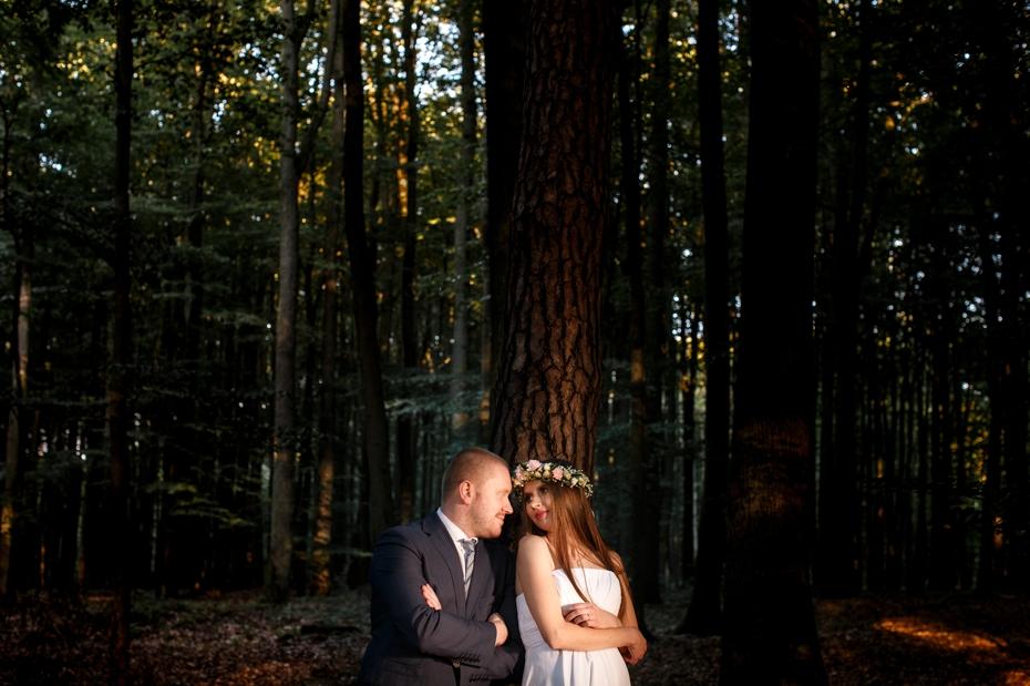 zdjęcia ślubne w lesie szczecin