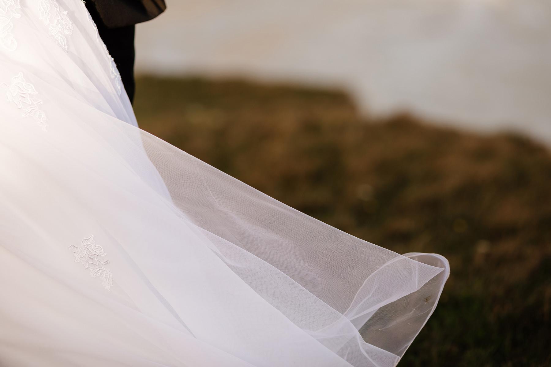 sukienka ślubna detal
