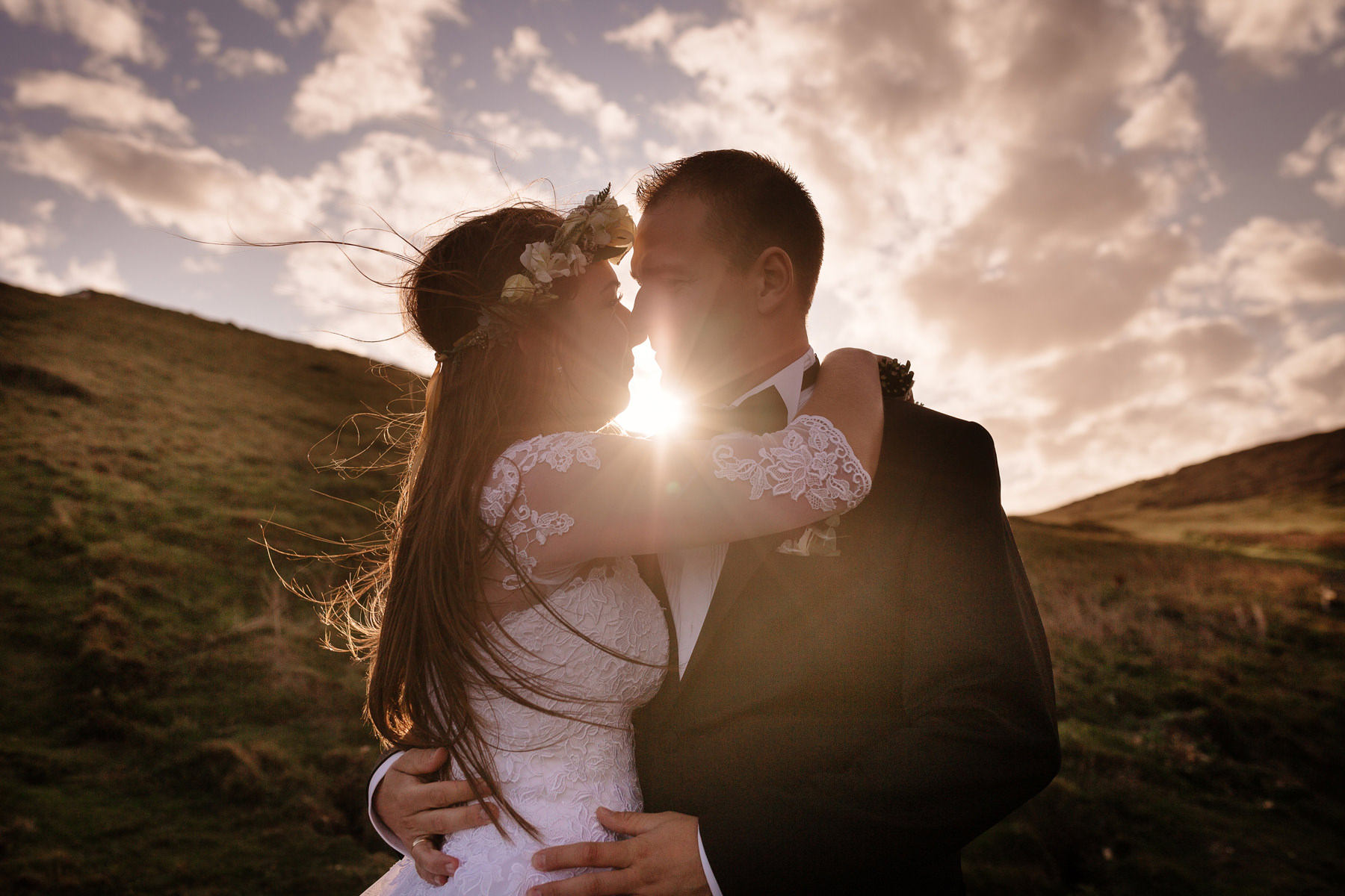 sesja ślubna przy zachodzie słońca