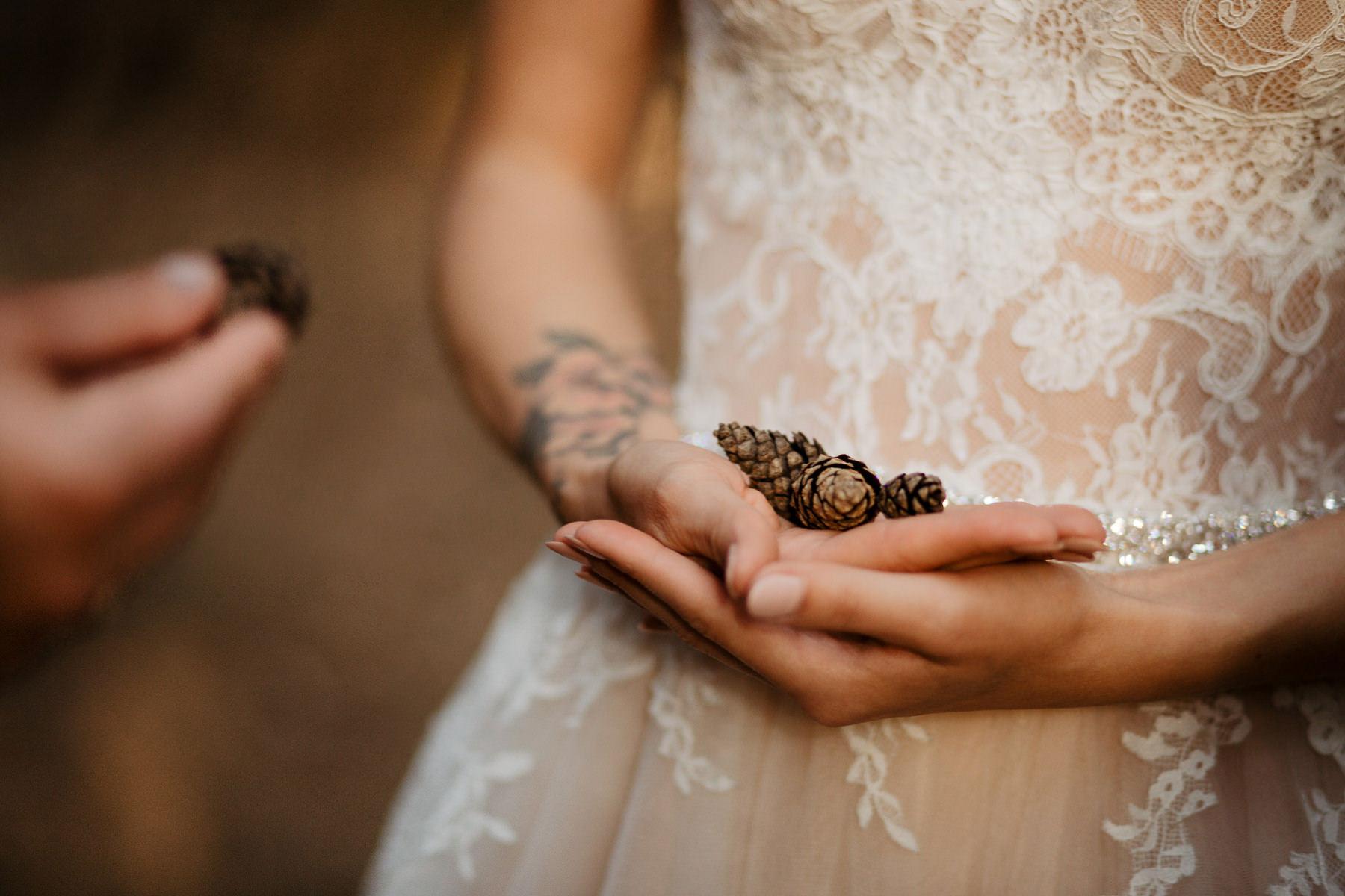 ślub motyw las