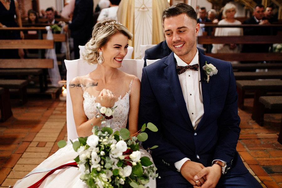 kasia i tomek zdjęcia ślubne, kamień pomorski katedra ślub