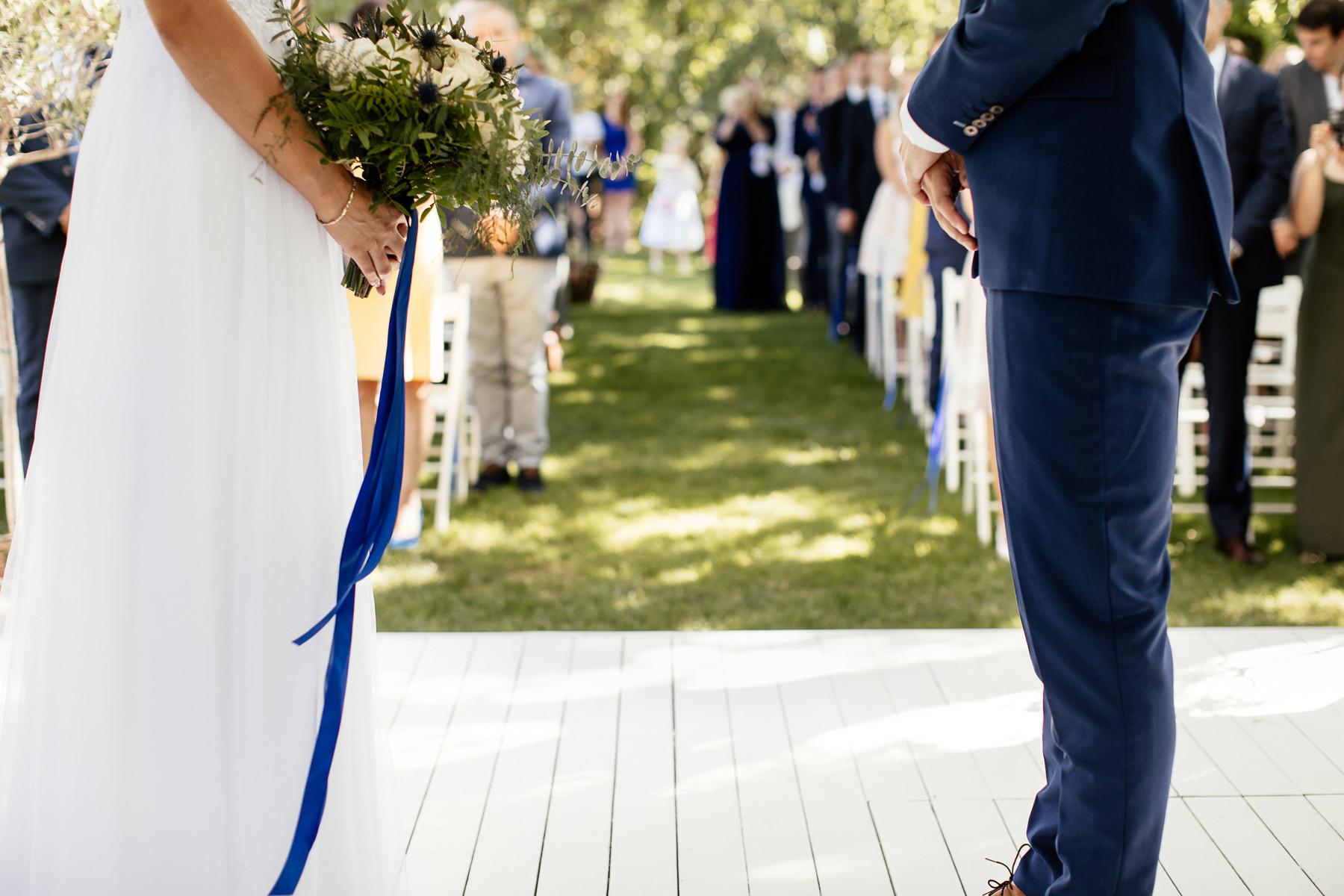 biała wstążka ślub plenerowy