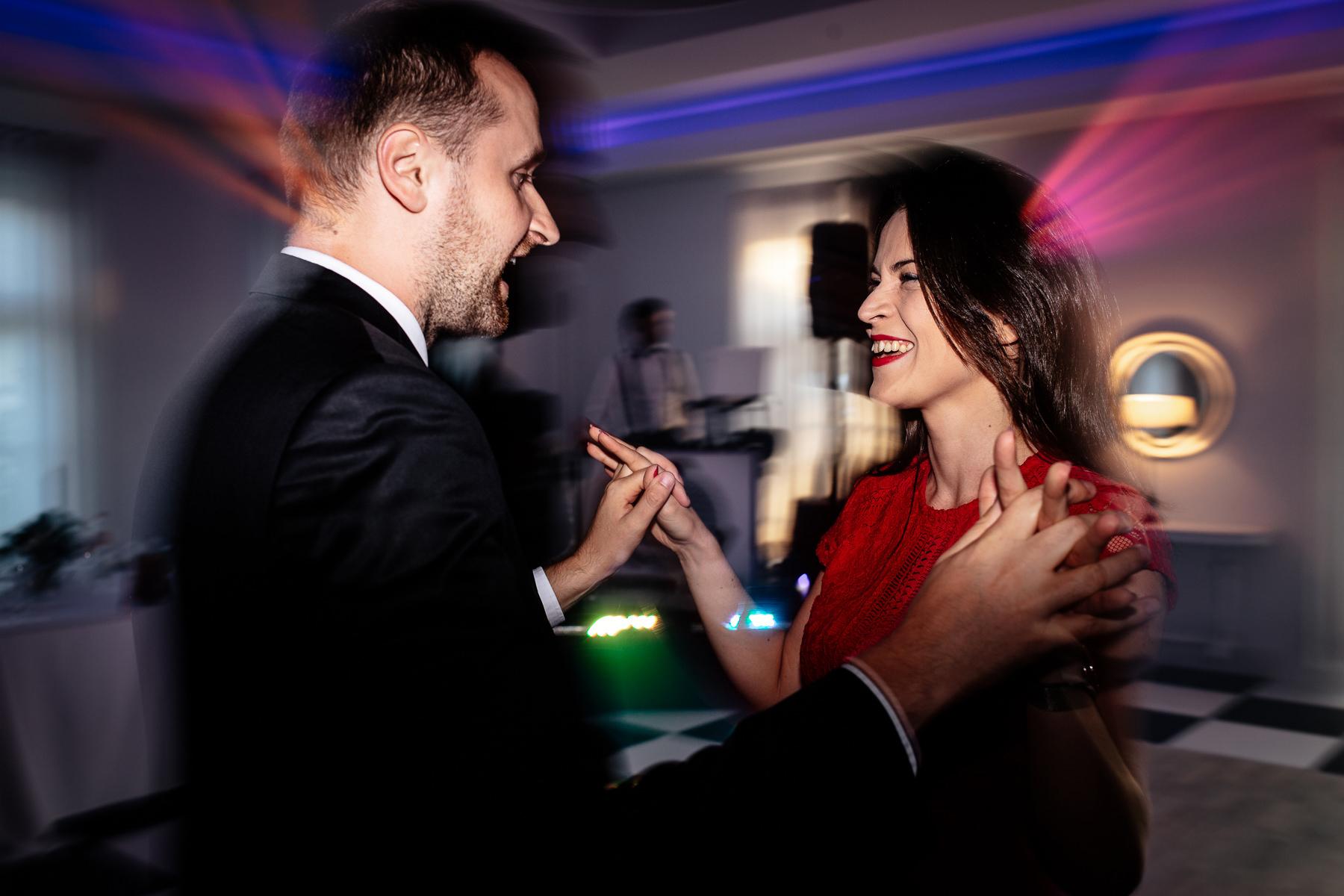 biała wstążka wesele opinie