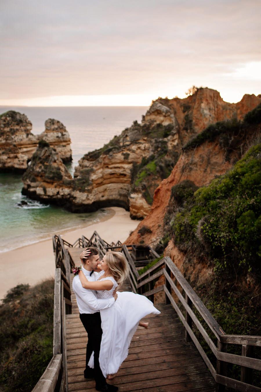 sesja ślubna w portugalii, praia do camilo, praia do camilo ślub
