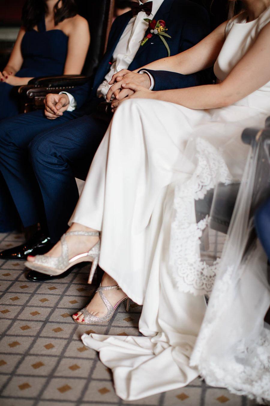 Detale ślubne - sukienka, buty