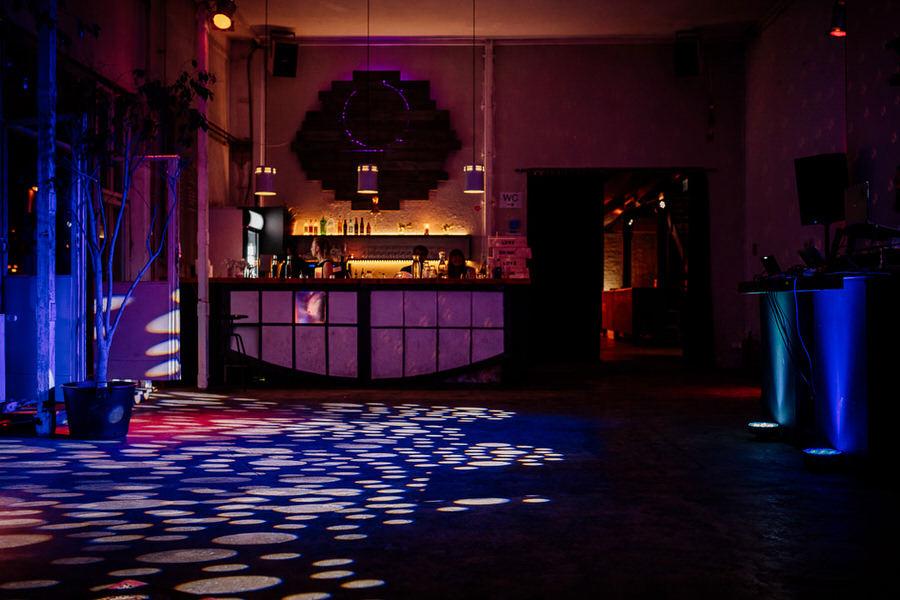 Berlin - ciekawe miejsce na klimatyczny ślub - KAOS