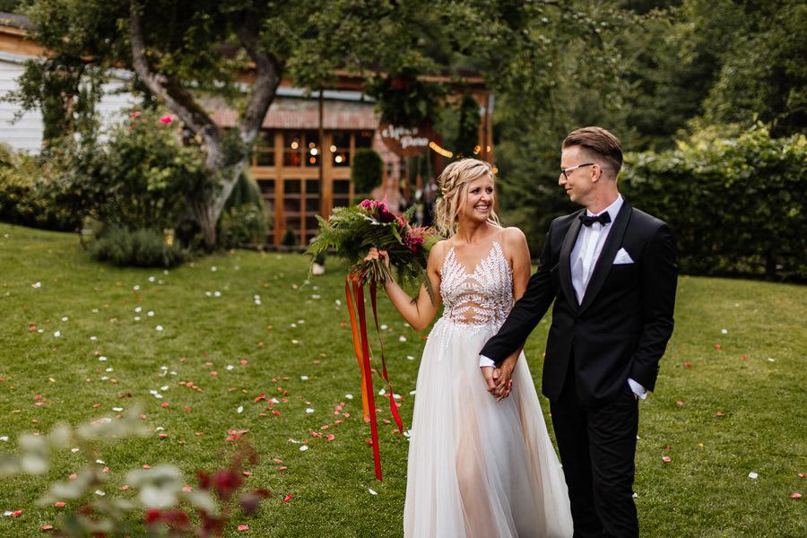młyn nad starą regą ślub w ogrodzie