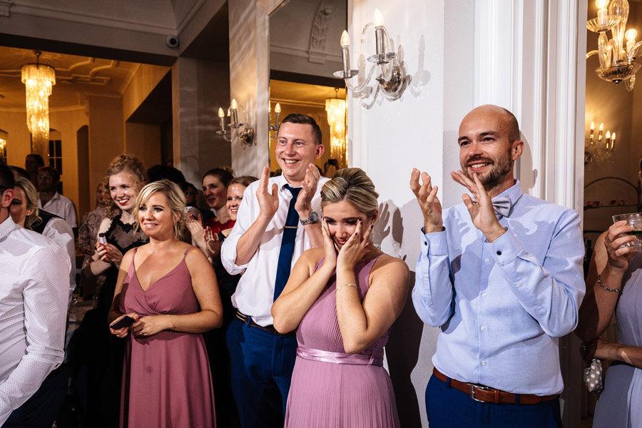 wesele pałac rajkowo reportaż zabawa w czasie pandemii