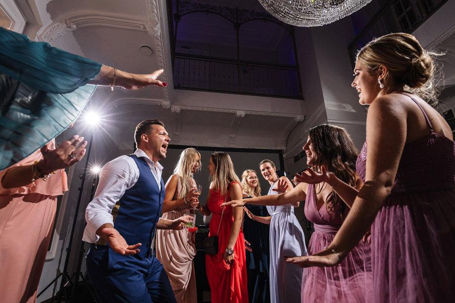 pałac rajkowo wesele szczecin zabawa na parkiecie