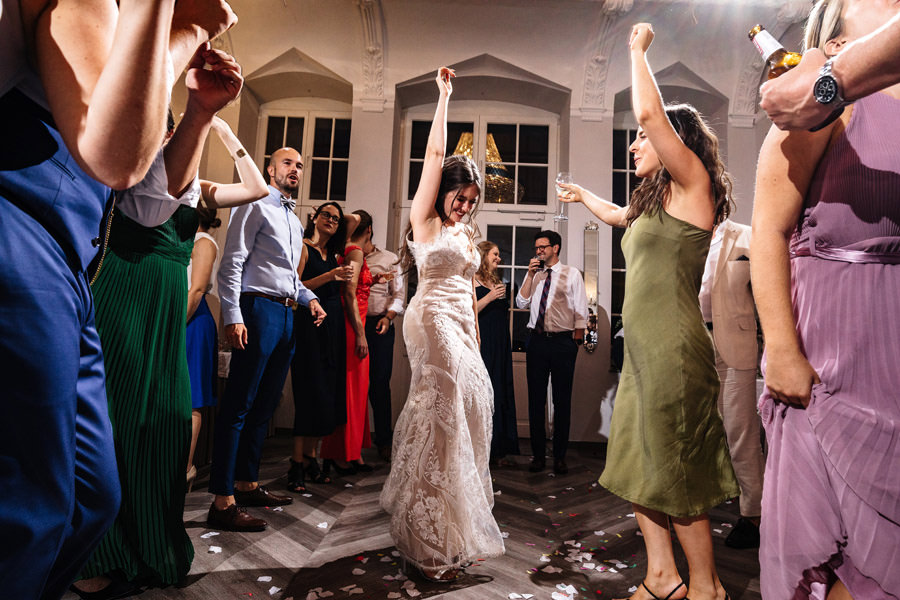 wesele w czasie pandemii zabawa z gośćmi